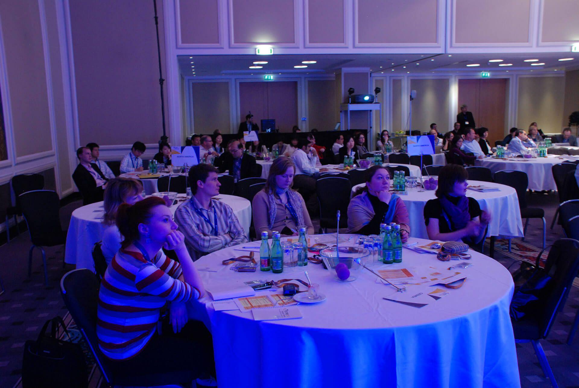 5-1---konferensmikrofoner.jpg