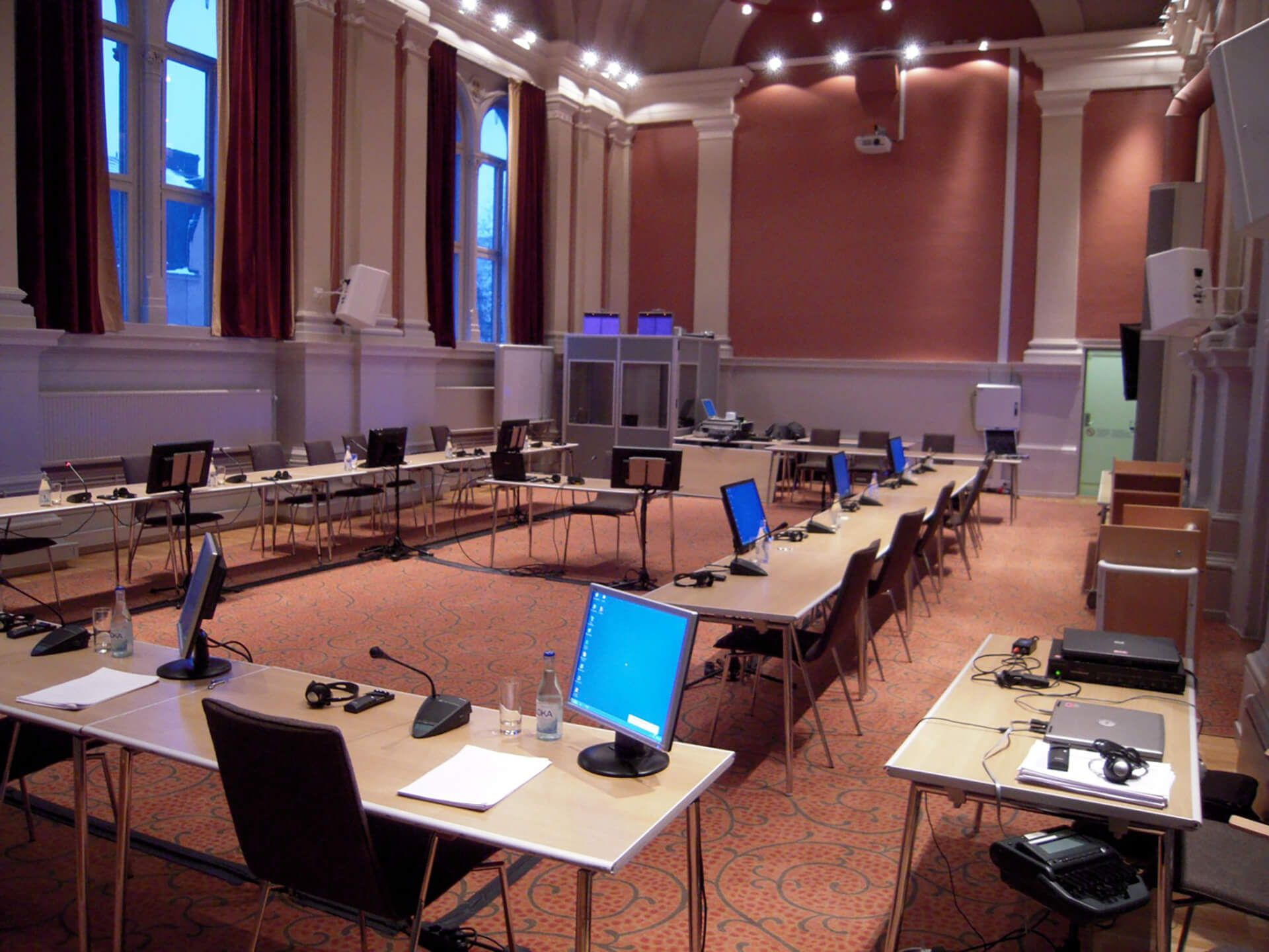 5-2---konferensmikrofoner.jpg